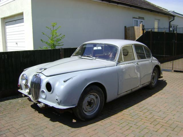 Jaguar 3.4 CAR IS CURRENTLY UNDER RESTORATION